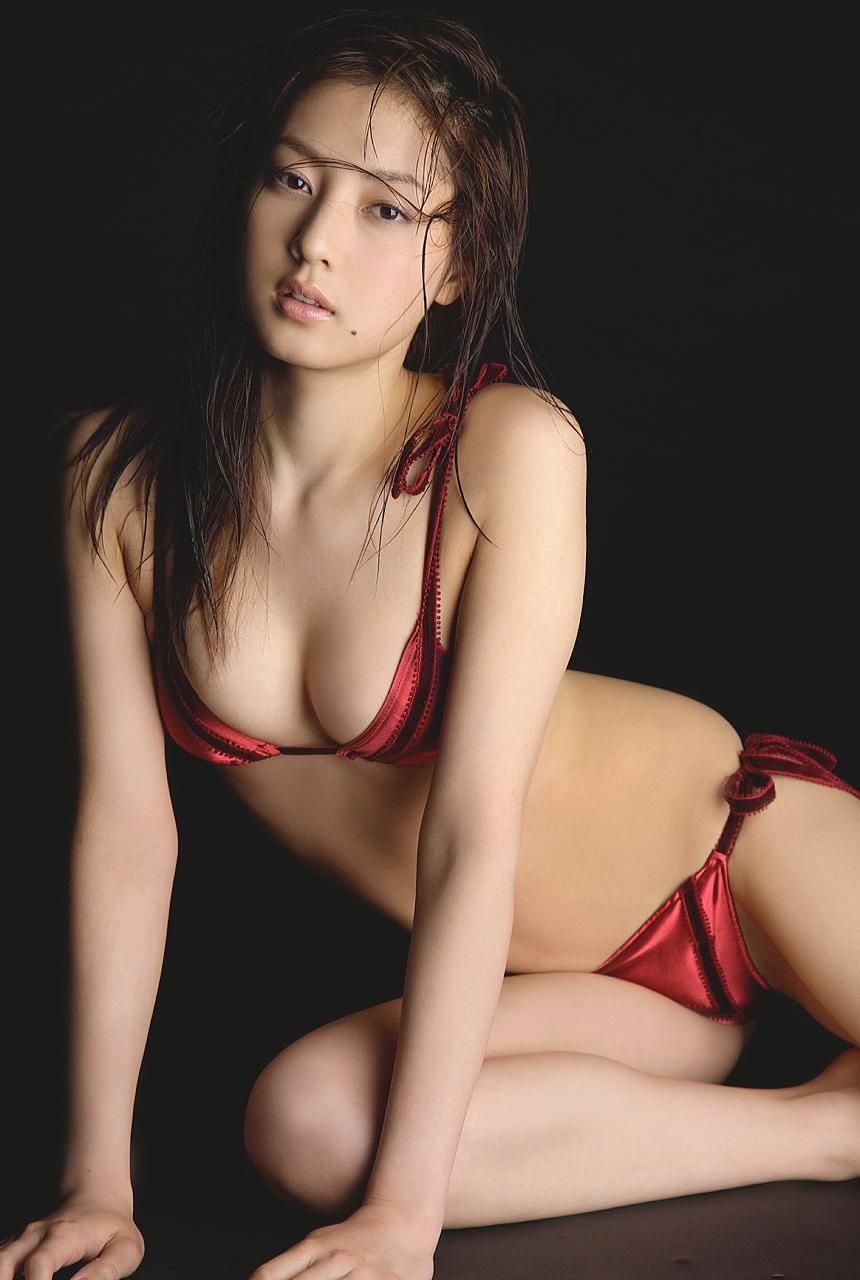 池田夏希さんのビキニ